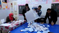 Polls close in Tunisian election