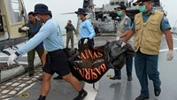 'Two large objects' found in AirAsia search: official