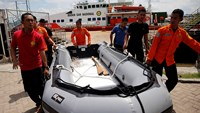 Search teams recover more debris as more international help arrives