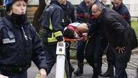 12 shot dead in Paris terror attack