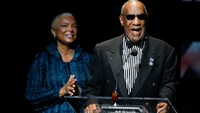 Bill Cosby heckled during final show of Canadian Tour