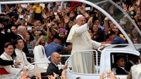Pope comforts Philippines' youth and children