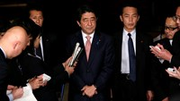 Japan PM vows all-out effort to save hostages