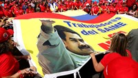 Maduro supporters protest opposition forum