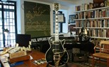 Les Paul's first custom guitar is up for grabs