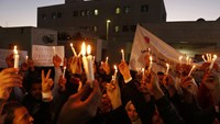 Candlelight vigil for dead Japanese hostage outside embassy