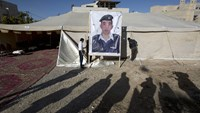Islamic State shows burning of hostage, Jordan vows 'earth-shaking' response