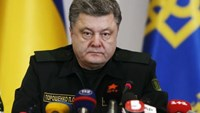 Ukraine's Poroshenko threatens martial law if ceasefire fails