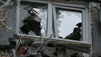 Explosions rocks ceasefire in Ukraine's east