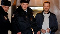 Russian court hands opposition activist Navalny 15 days sentence