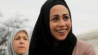 US justices indicate support for Muslim woman in head scarf complaint