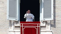 "Pope denounces ""intolerable brutality"" in Iraq and Syria"