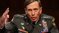 Former General Petraeus pleads guilty