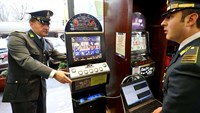 Mafia thrives on Italy's legalized gambling addiction
