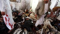Suicide bombers kill 137 in Yemen mosque attacks