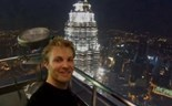 Nico Rosberg runs up 88-storey Petronas Towers