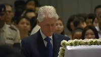 Former U.S. President Clinton bids farewell to Singapore's founder Lee