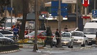 Turkish police shoot two attackers outside Istanbul police HQ