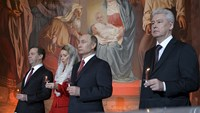 President Putin attends Easter Mass in Moscow cathedral