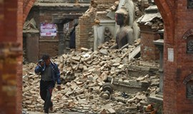 Nepalese dig for quake survivors as toll exceeds 1,900 and big aftershock hits