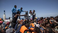 Migrants rescued en route to Europe