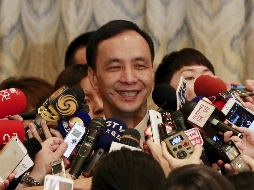 Eric Chu, Chairman of Taiwan's Kuomintang (KMT) Party, speaks to the media after the 10th Cross-Strait Economic, Trade and Culture Forum in Shanghai, China, May 3, 2015. Photo: Reuters