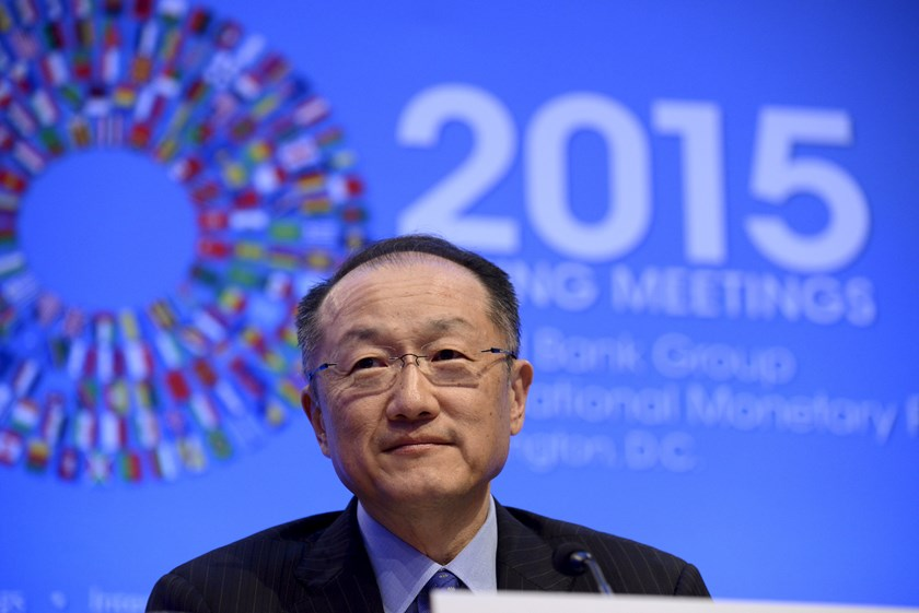 World Bank President Jim Yong Kim listens to a question as he briefs the press during the IMF and World Bank's 2015 Annual Spring Meetings, in Washington, April 16, 2015. Photo: Reuters