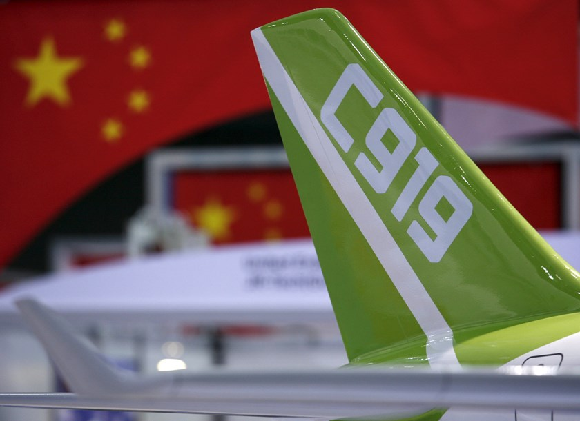 A model of the 150-seat C919 passenger plane is displayed at the Asian Aerospace Expo in Hong Kong in this September 8, 2009 file photo. REUTERS/Bobby Yip/Files