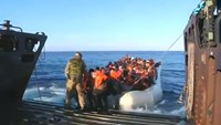 British navy rescues more than 400 migrants in the Mediterranean