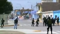 Dramatic clashes between police and sugar plant workers in Peru