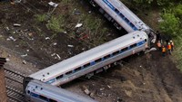 Philadelphia train may have been hit by projectile before wreck