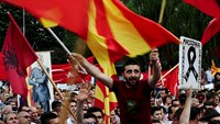 Wire-tap scandal brings thousands out against Macedonian leader