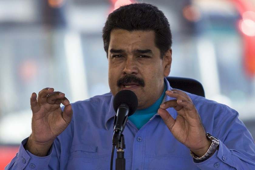 Venezuela's President Nicolas Maduro speaks during the opening ceremony of a new avenue and the inauguration of a public transportation route with Yutong brand buses in Los Teques, Venezuela May 16, 2015. Photo: Reuters