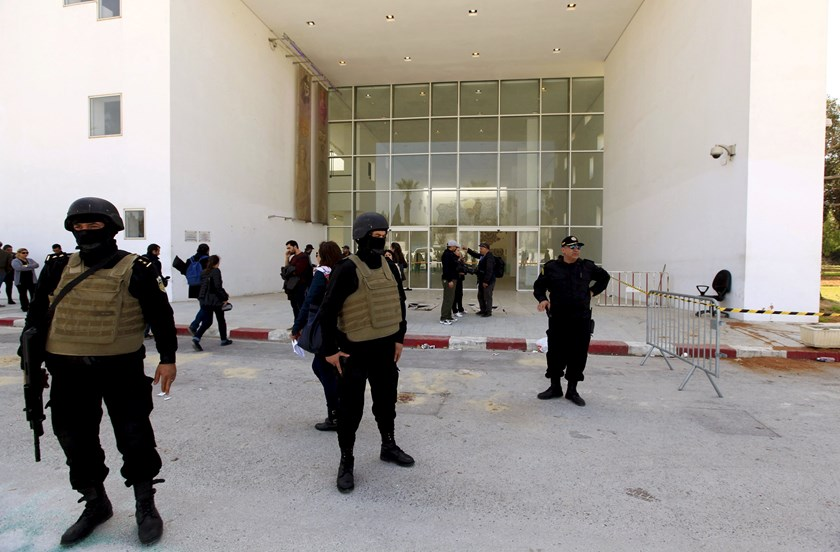Tunisian police officers guard the entrance of the Bardo Museum in Tunis, in this March 19, 2015 file photo. Photo: Reuters