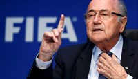 Re-elected FIFA President Sepp Blatter gestures during news conference after an extraordinary Executive Committee meeting in Zurich, Switzerland, May 30, 2015. Photo: Reuters