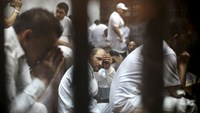 Death sentences for Egyptian soccer rioters