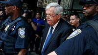 Former U.S. House Speaker Hastert pleads not guilty to federal charges