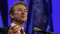 U.S. presidential candidate Senator Rand Paul (R-KY) speaks at the Republican Party of Iowa's Lincoln Dinner in Des Moines, Iowa, in this May 16, 2015 file photo. A crucial vote set for May 21, 2015 on legislation to help President Barack Obama complete a Pacific Rim trade deal was in doubt as senators struggled to defuse landmines ranging from currency manipulation rules to renewing the Export-Import Bank. Photo: Reuters