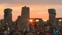 Thousands gather at Stonehenge for summer solstice