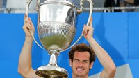 Murray making the most of tennis while he can