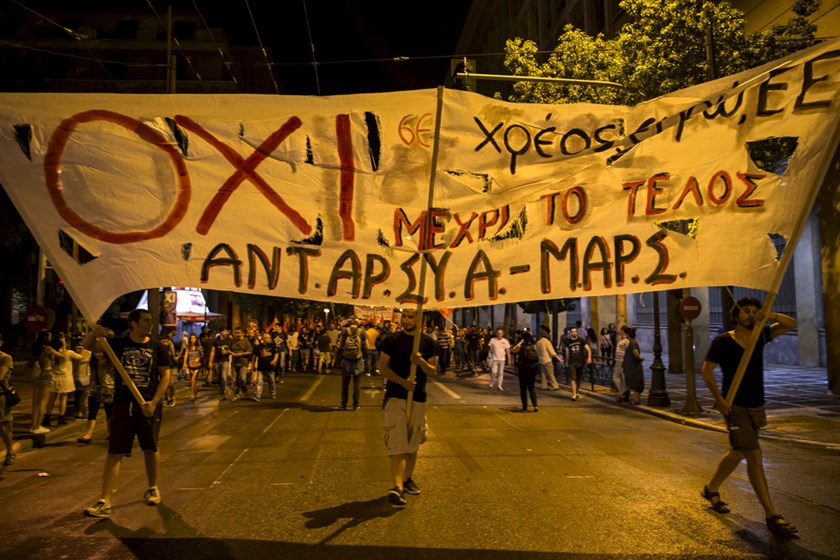 """No"" supporters celebrate referendum results on a street in central in Athens, Greece July 5, 2015. Photo: Reuters"