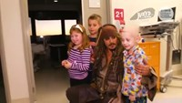 Johnny Depp in kids' hospital visit