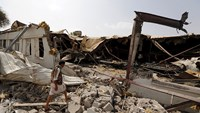 Witnesses say airstrikes continue despite Yemeni truce