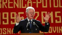 Bill Clinton honors Srebrenica massacre victims