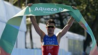 Triathlon-Gomez wins in Rio amid concern over roads