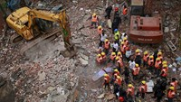 12 dead in western India building collapse