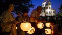 Lanterns light up the night in memory of Hiroshima