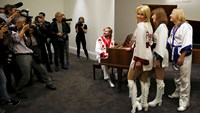ABBA piano looking to raise money, money, money at auction