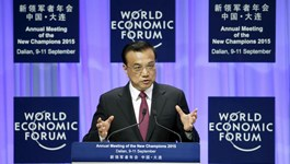 Li says China will suffer from a currency war
