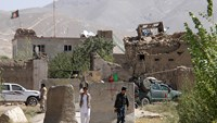 Afghan Taliban storm jail, release hundreds of prisoners